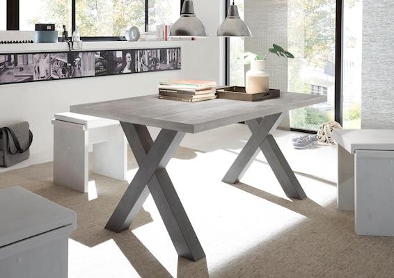 Grauer Esstisch aus Holz