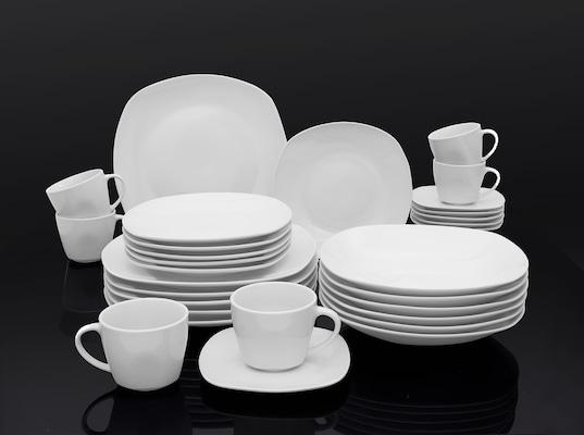 weißes Geschirr-Set