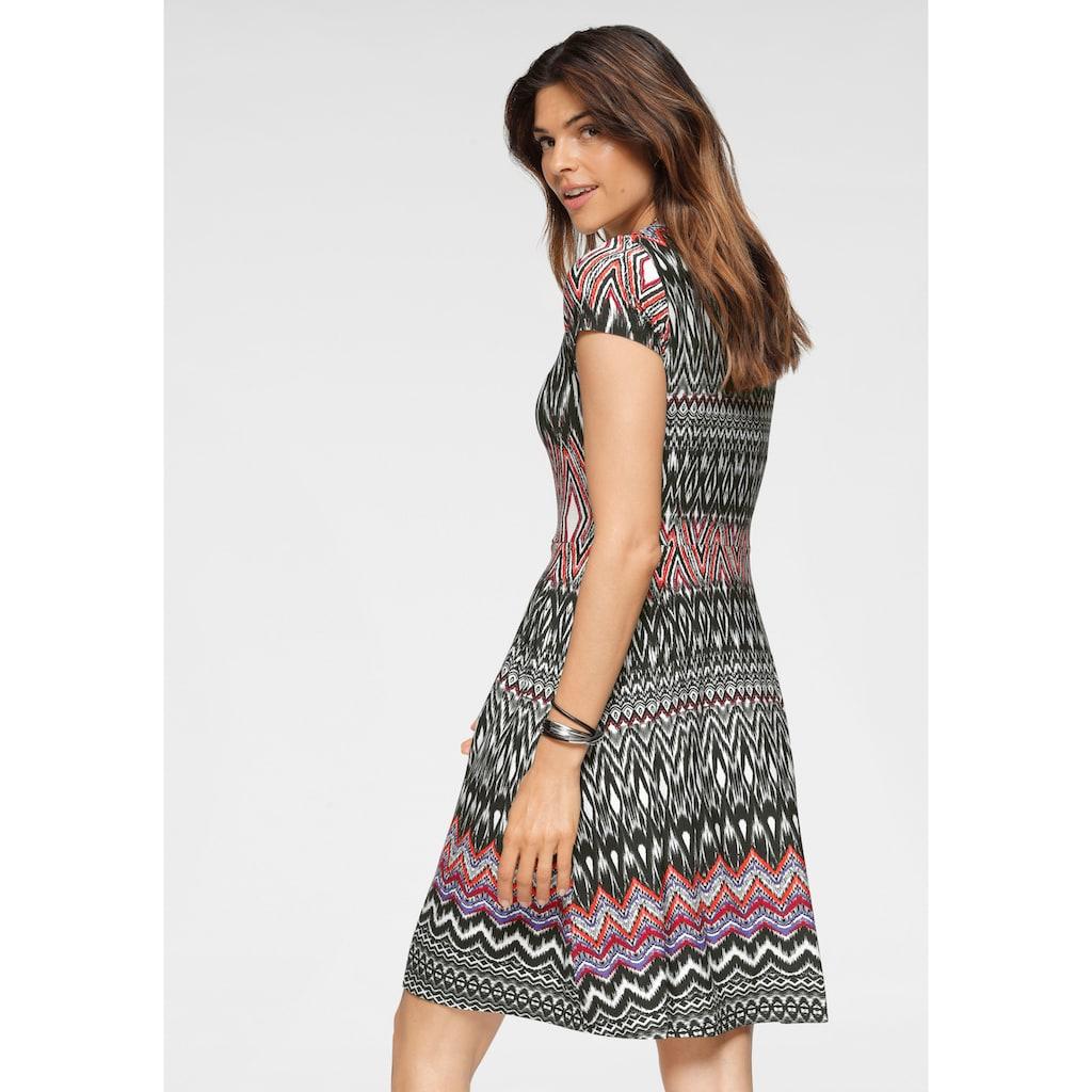 Boysen's Jerseykleid, im modischem Ethno-Look