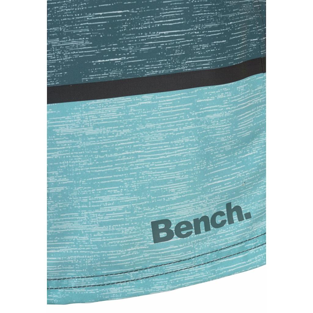 Bench. Badeshorts, im trendigen Blockstreifen-Look