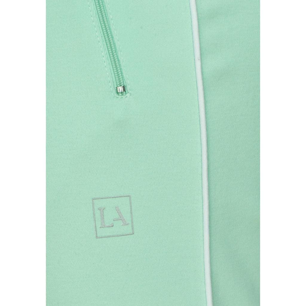 LASCANA Caprihose, mit Biesen und Reissverschlusstaschen
