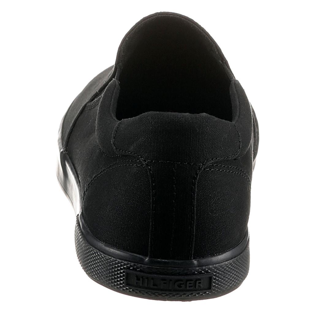 TOMMY HILFIGER Slipper »ICONIC SLIP ON SNEAKER«, mit seitlichen Stretcheinsätzen