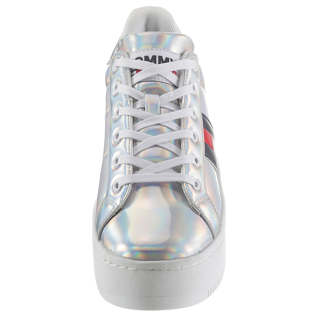 Tommy Jeans Plateausneaker »FULLY IRIDESCENT IRONIC SNEAKER«, mit modischer Plateausohle