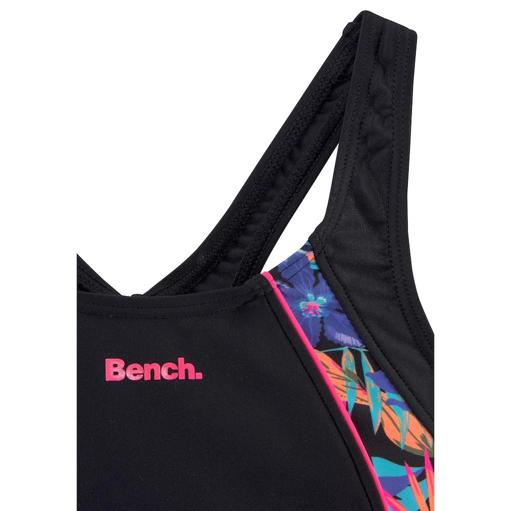 Bench. Badeanzug, mit trendigem Dschungeldruck