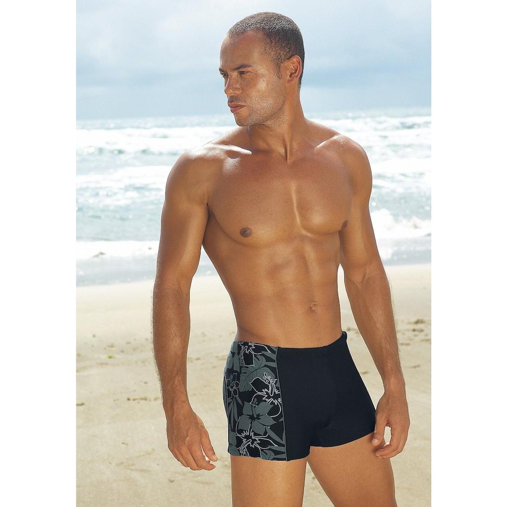 s.Oliver Beachwear Boxer-Badehose, mit modischen Kontrasteinsätzen