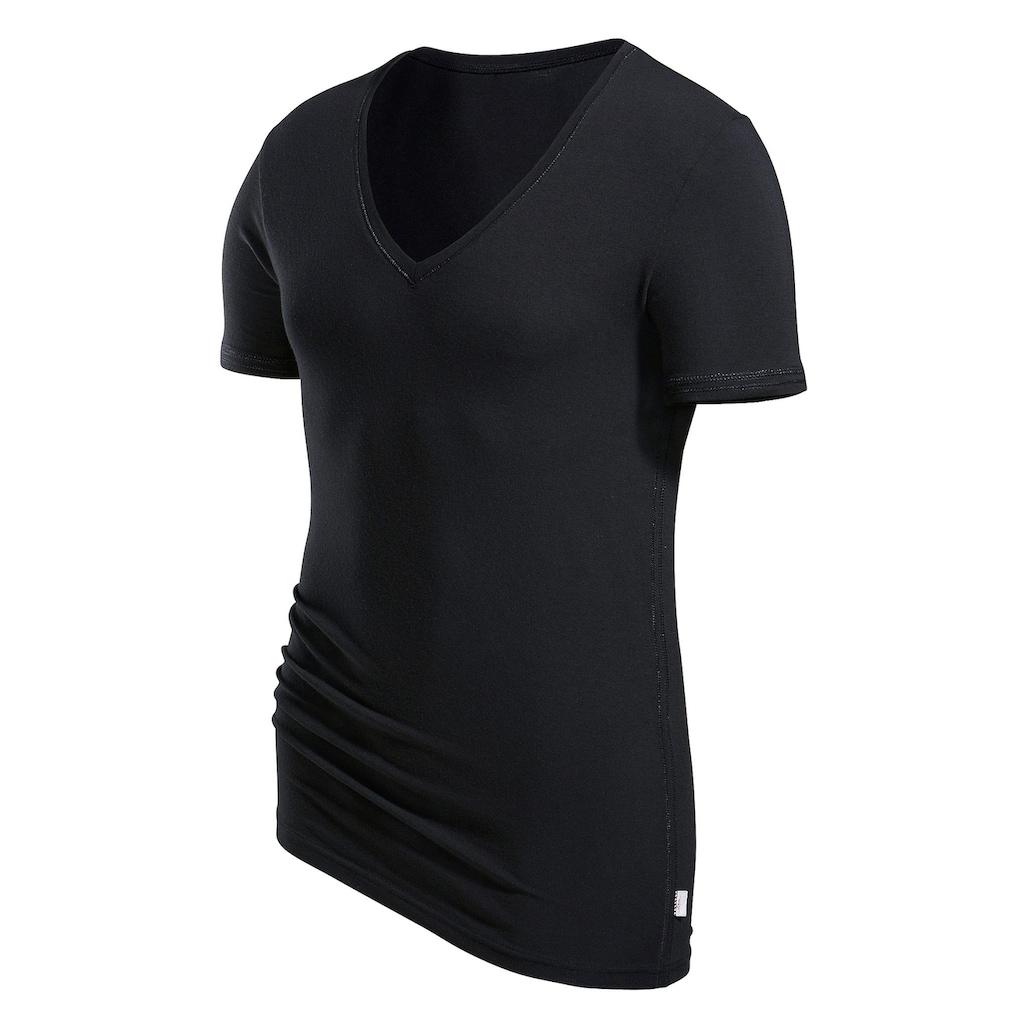 s.Oliver Bodywear T-Shirt, mit tiefem V-Ausschnitt