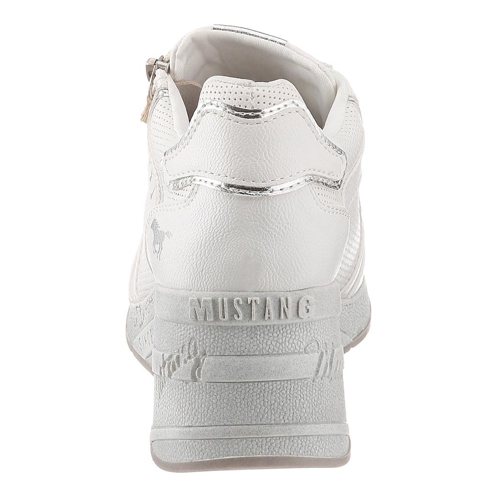 Mustang Shoes Wedgesneaker, mit feiner Perforation