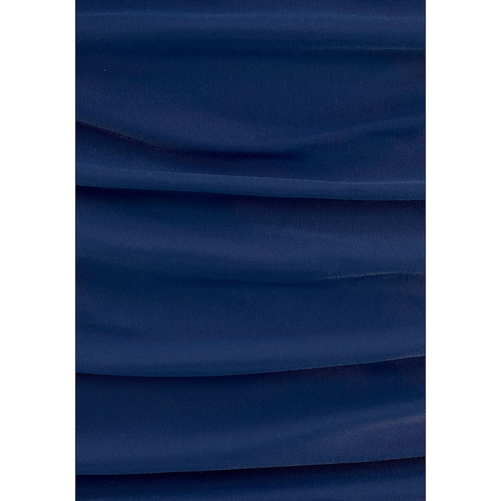 LASCANA Badeanzug, mit Pailletten-Verzierung
