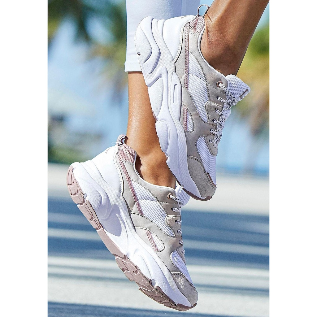 LASCANA Sneaker, in toller Farbkombination und angesagter Sohle