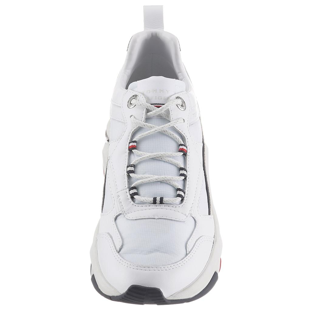 TOMMY HILFIGER Wedgesneaker »FASHION WEDGE SNEAKER«, mit Logoschriftzug