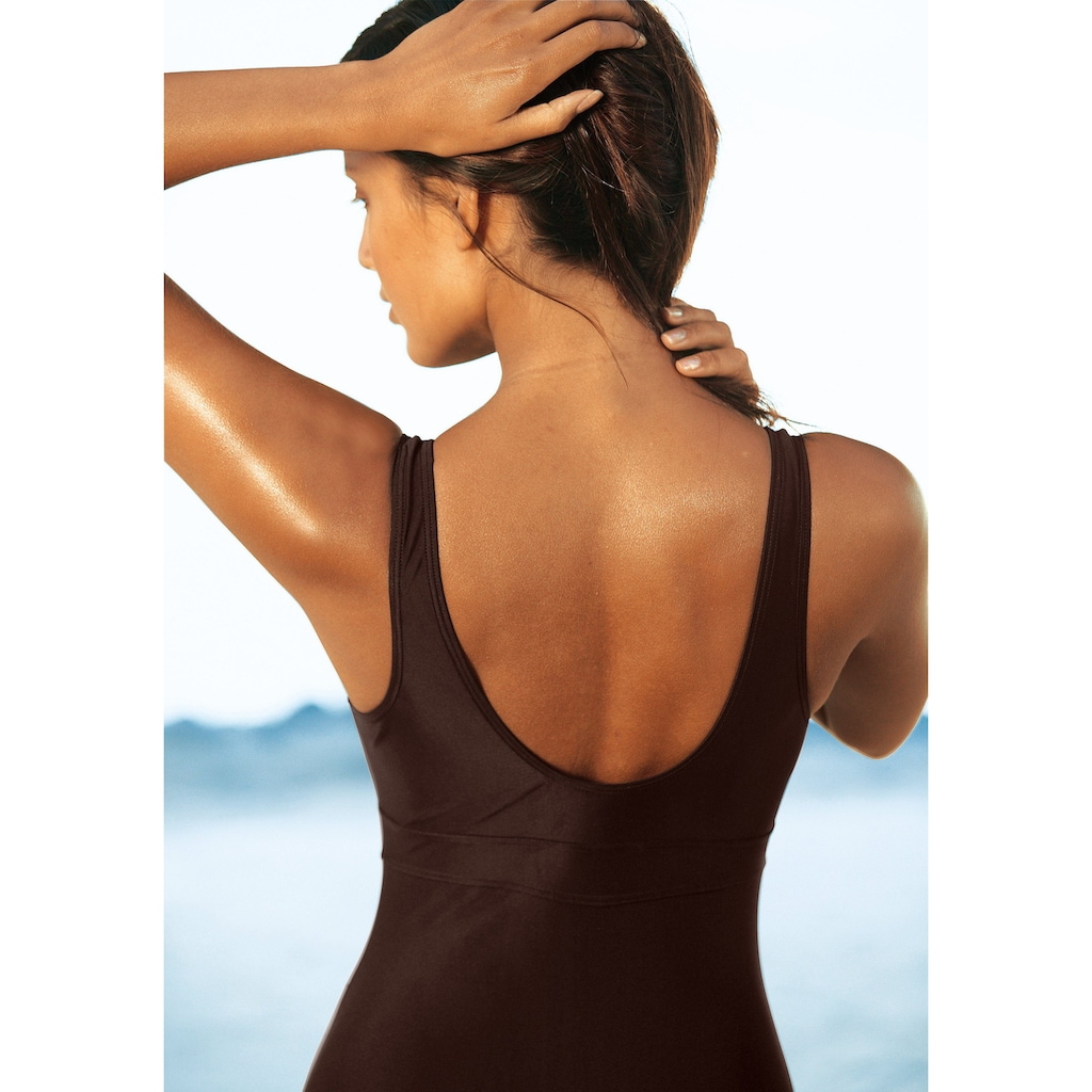 LASCANA Badeanzug, mit Schlankmach- Effekt