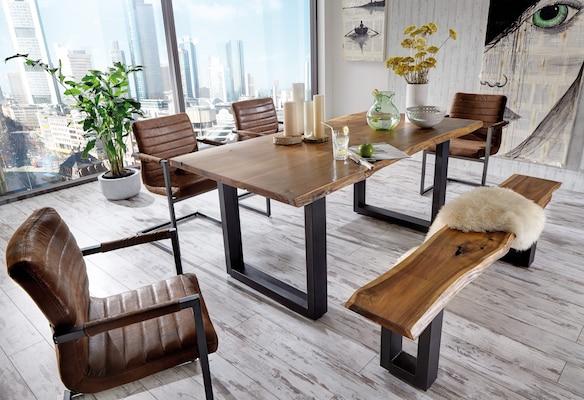 Holzesstisch mit Metallbeinen