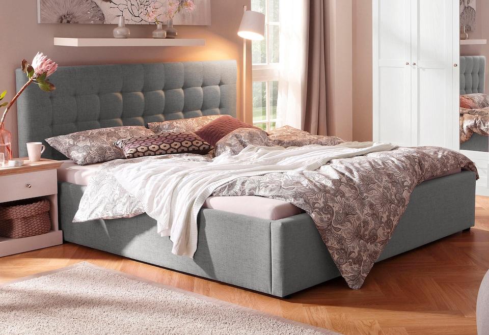 Home Affaire 3-türiger Kleiderschrank »Selma« für das Schlafzimmer, aus  massiven Holz, Höhe 190 cm