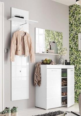 Weisse Garderobe mit Schuhschrank